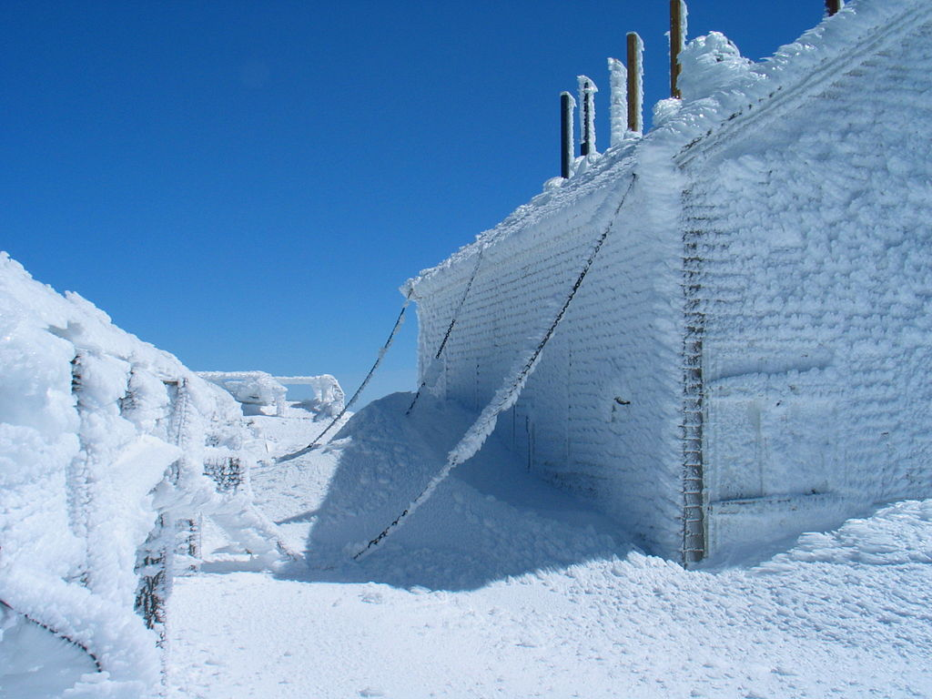 Rime ice Mount_Washington_chained_building